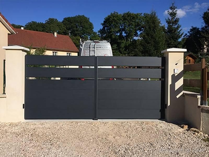 Pose et installation de portail en aluminium sur mesure à Dijon