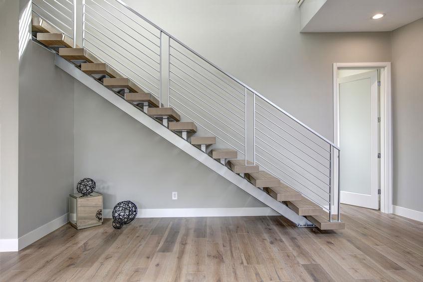 Création et pose d'un escalier en inox sur mesure à Dijon